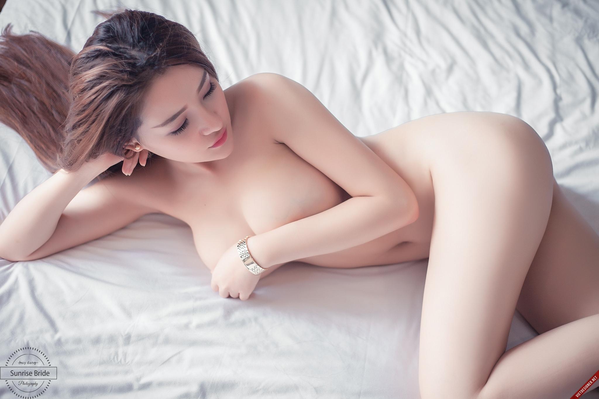 vietnam nude model