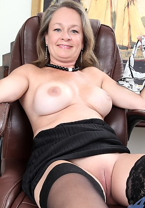 mature pussy smooth