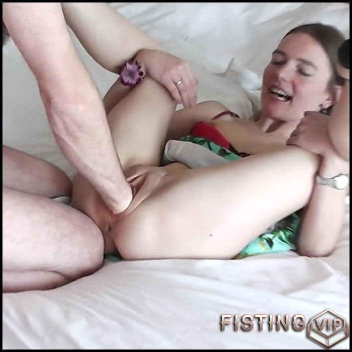 huge pussy fisting