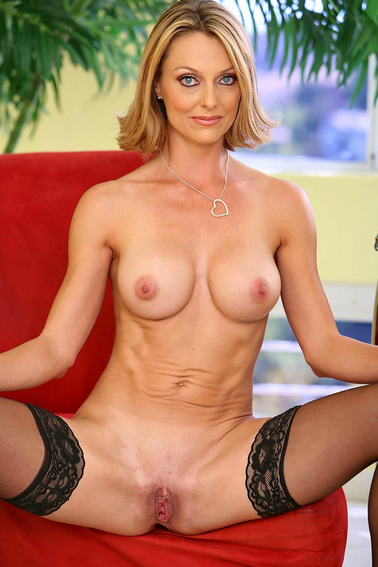 naked hot milf women