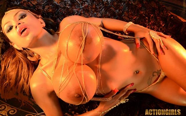 big sexy model boobs