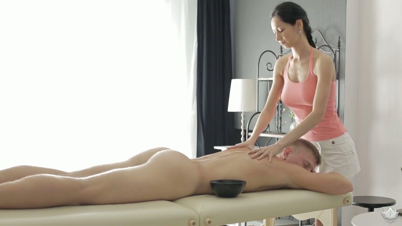 monty demo waxing full bikini