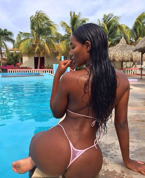 ebony bikini porn